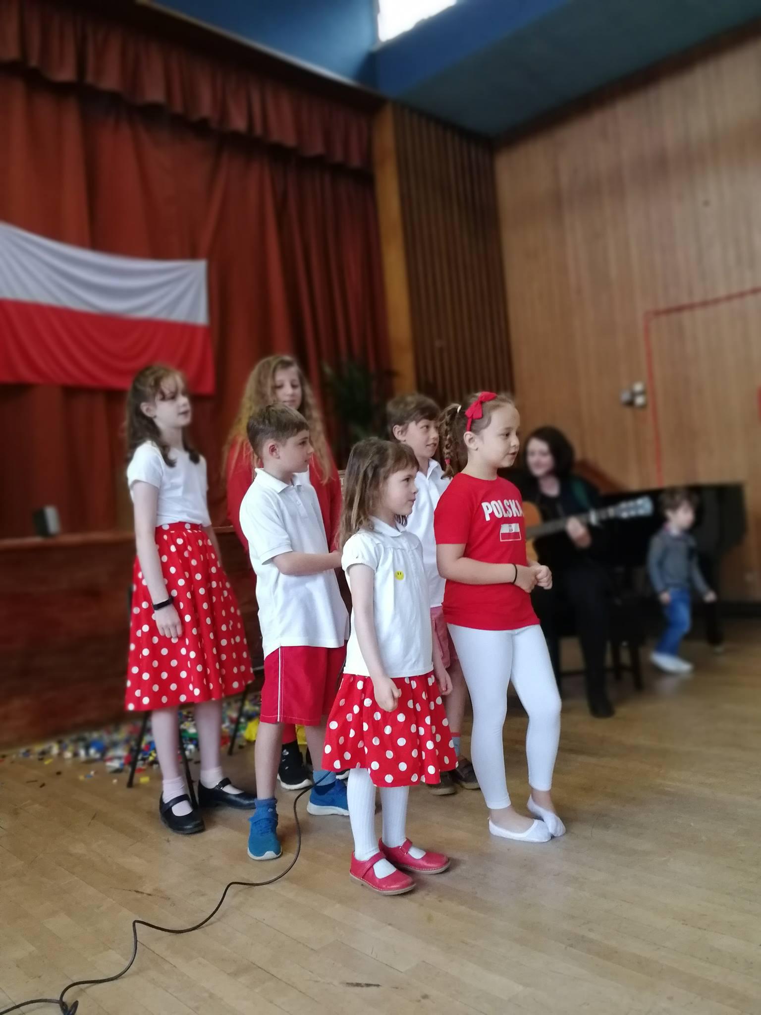 nasze dzieci spiewaja na polish heritage day